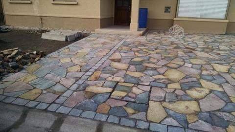 Piedra laja para estacionamientos y terrazas